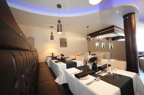 Shenapur Restaurant